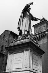 A Girolamo Savonarola in tempi corrotti e servili dei vizi e dei tiranni flagellatore (frillicca) Tags: 2018 april aprile architecture architettura art arte bn bw biancoenero bianconero blackandwhite blackwhite castello castelloestense castle ferrara monochrome monocromo nikkor nikkor18300mmf35 nikon nikond300 piazzasavonarola savonarola statua statue torre tower