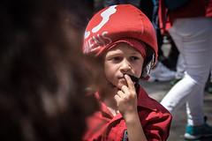 Pensando ... (Alex Nebot) Tags: nen boy chico retrato portrait retrat castellers castells humantowers catalunya catalonia nikon sigma tarragona vendrell tradiciones cultura culture
