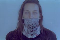 Autorretrato (barbara bezina) Tags: selfportrait 35mm kodakproimage pentaxzxm longexposure barbarabezina analog