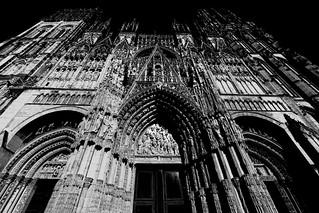 Trois regards sur l'architecture à Rouen III/III : extrait sauvage de cathédrale sans ciel...