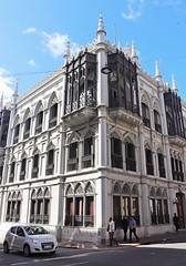 Esquina (carlos_ar2000) Tags: esquina corner edificio building arquitectura architecture calle street gente people montevideo uruguay