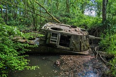 DSC_0090 (Stéphane Piegle) Tags: urbex exploration camion truck épave char militaire abandonné armée