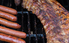 Ribs and Hot Dogs (Jemlnlx) Tags: canon eos 5d mark iv 4 5d4 5div ef 100mm f28 macro 11 food ribs hot dogs bbq barbecue barbeque grill meats