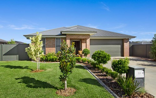 33 Grand Meadows Drive, Tamworth NSW