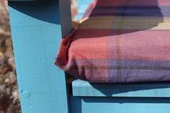 2018-07-04_05-27-22 (Minimonster123) Tags: garden bench cushion fabric tartan checked wood wooden blue seat