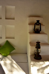 Lanterns and a green Pillow (MarkusR.) Tags: mrieder markusrieder nikon d7200 nikond7200 vacation urlaub fotoreise phototrip italy2018 italy 2018 italien sardinia sardinien kurzurlaub shortbreak sugologone insel island europa europe sugologoneexperiencehotel ambiente ambience hotelarea hotelanlage lanterns laternen grüneskissen greenpillow