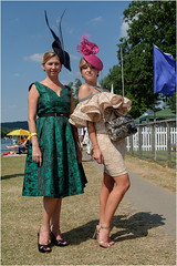 2_Henley Regatta-3018 (AndyG01) Tags: henleyregatta boats riverthames rowing model designer dress hat fascinator