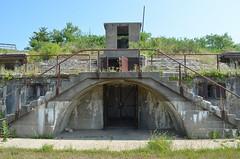 Fort Hancock 9 (rchrdcnnnghm) Tags: abandoned fort forthancock usarmy coastaldefenseartillery gatewaynationalrecreationarea nps newjersey battery bunker ruin