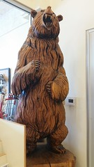 Grizzly Industrial (Adventurer Dustin Holmes) Tags: 2018 missouri grizzly grizzlyindustrial showroom springfieldmo springfieldmissouri greenecounty business businesses route66 us66 missouri66 statue bear animal wood wooden carving carved sculpture art standing angry indoor inside interior