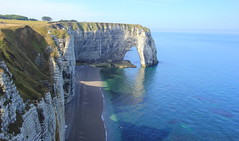 A seagull's POV, Etretat to the left (Eye of Brice Retailleau) Tags: arch arche