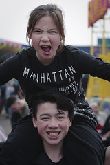 Siblings (Jacko 999) Tags: girl boy robert eede siblings canon eos 5d ef85mm f12l usm ƒ56 850mm 1250 iso50 children happy fun joy joyfull jolly silly portrait