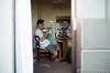 スマホ父ちゃん (✱HAL) Tags: om1 lomography 400 color nega film chiba funabashi home father family