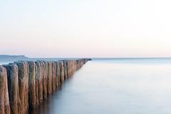 Buhnen Insel Rügen (yenz1985) Tags: insel sonnenuntergang buhnen rügen sommer wasser meer ostsee mv mecklenburgvorpommern himmel langzeitbelichtung