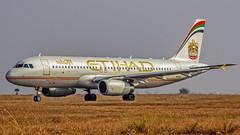 Etihad Airbus A320 A6-EIR Bangalore (BLR/VOBL) (Aiel) Tags: etihad airbus a320 a6eir bangalore bengaluru canon60d tamron70300vc