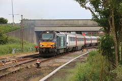 68018 & 68002 (Mike_47714) Tags: drs ga train railway great yarmouth 68018 68002 2c69