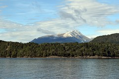 "Mountain view from Lake Manapouri 2 (Christopher M Dawson) Tags: ""milford sound"" manapouri lake scenery nature wilderness mountain fiord sound ©2018cmdawson dawson travel international foreign tourism adventure new zealand ""new zealand"" sightseeing landscape water waterscape unesco"