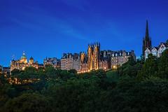 View of the historic Edinburgh (TIM BRUENING · PHOTOGRAPHY) Tags: edinburgh scotland schottland parliament parlament kirche blauestunde bluehour langzeitbelichtung longtimeexposure canon5dmarkiv flickrtravelaward flickraward architecture architektur ancientarchitecture