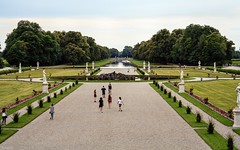 Schlosspark Nymphenburg (lichtauf35) Tags: sigmaex85f14 nymphenburg schlosspark afternoonlight symmetric parks derzeitaugenblickestehlen 5dmk2 lightroom acdsee lichtauf35
