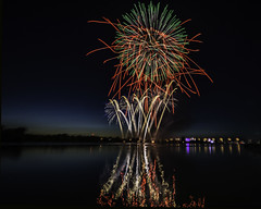 Bay City Michigan 2018 (TAC.Photography) Tags: fireworks red green colorful colors river saginawriver baycity 4thjuly celebration redlines holiday independanceday tacphotography tomclarknet