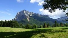 Un Sphynx nommé Granier ! (ViveLaMontagne67) Tags: landscape france alpes alpen alps mountains sky clouds trees cliffs falaises nuageux chartreuse grass field 250v10f 500v20f