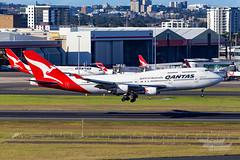 VH-OEB QF B747 16R YSSY-2446 (A u s s i e P o m m) Tags: mascot newsouthwales australia au qantas qf boeing b747 syd yssy sydneyairport