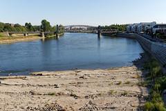 Domfelsen und Hubbrücke (chipdetty) Tags: sachsenanhalt magdeburg landeshauptstadt domfelsen elbe niedrigwasser hubbrücke fluss
