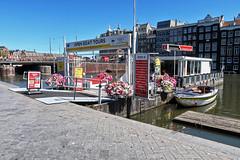 Canal Trip (Jainbow) Tags: amsterdam jainbow boat boattrip canaltrip canal stromma damrakpier6