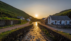 Boscastle Sunset... (johngregory250666) Tags: coast coastal path south west trail devon atlantic heartland point nikon d5200 nikkor 1024 summer june uk surf waves green blue water sky country landscape orange sea bay bluff cliff ocean grass rock beach animal people photoadd boscastle sunset cornwall 2018