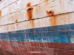 DSCN1393 (Eric Santucci) Tags: boat paint old colour rust color red white blue crack nikon p6000