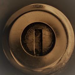 Oldfashioned Keyhole of a car MacroMondays (Yberle.Foto) Tags: macro dacia logan dacialogan car diesel transportation macromondays keyhole filter zikefilter scratches used