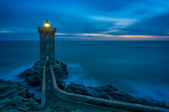 Blue Hour at Kermorvan Lighthouse (Bretagne) (Lightblue Sky) Tags: lighthouse coast bretagne cliff sea ocean blue hour sunset france nature atmosphere quiet loneliness kermorvan