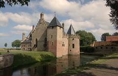 Former times (eric zijn fotoos) Tags: holland sonyrx10m3 nederland noordholland water tower toren sky lucht wolk cloud grass gras tree boom castle kasteel medemblik