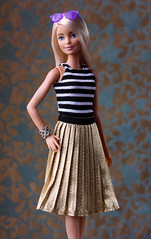 Thoroughly Modern Millie (ernestopadrocampos) Tags: fashiondollphoto fashionistas barbiedoll barbie millieclosedmouthbarbie classictoys doubledenimbarbiefashionistas theblonde ernestopadrocamposphotography mattel playlinebarbie barbiestyle