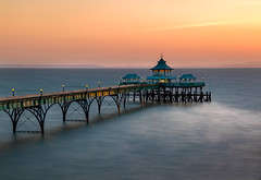 Clevedon Pier (Photography by Julia Martin) Tags: photographybyjuliamartin sunset sunsetlight sea pier clevedonpier httpwwwclevedonpiercom bristolchannel coastalscene longexposure hightide