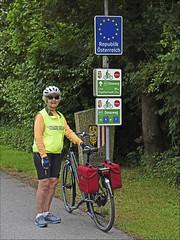 Entering Austria (Runemaker) Tags: bicycling signs austria österreich cycling radfahren schild schilder donauradweg donau danube upperaustria oberösterreich bicycle fahrrad bavaria bayern germany deutschland
