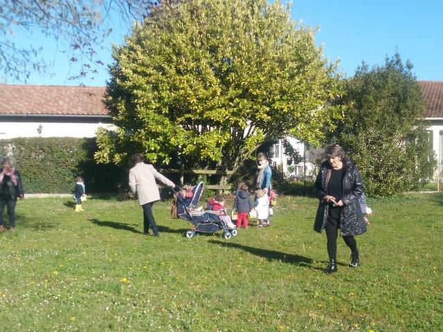 Photo 6 - Chasse aux oeufs à la crèche familiale