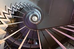 Spiraltreppe (Frank Guschmann) Tags: treppe treppenhaus staircase stairwell escaliers stairs stufen steps architektur frankguschmann nikond500 d500 nikon