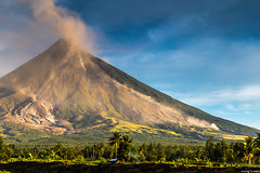 Mayon Volcano (waynetywater) Tags: asia adventure canon blue bohol culture cebu canon70200f28lll 6d ef f4l flickrsbest fiesta geographic historical philippines photography island incebucitycebuislandphilippines city sky landscape luzon landmark leyte clouds ngc native nature nationalgeographic negros ocean people river sunrise sunset travelplanet tribal tribe tropical travelworld tree usm volcano water dawn world mayon banaueluzon