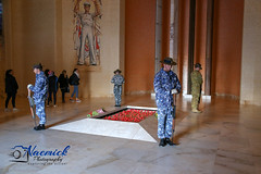 Australian War Memorial - Catafalque party practice - Tomb of Unknown Soldier (naemickpics.com) Tags: 2018 australian war memorial naemickpicscom lest we forget canberra naemickpics australia lestweforget australianwarmemorial campbell australiancapitalterritory au visitact awm ww1 ww2 soldier airman seaman
