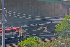 FEC Rwy #105 & NS #2600 pass beneath the Ivan Allen Bridge, Atlanta, GA (2 of 2) (gg1electrice60) Tags: floridaeastcoastrailway105 fecrwynumber105 fecrwysd70m2no105 electromotivedivision emd sd70m2 redwhiteblue generalmotors gm norfolksouthern2600 nsnumber2600 nsrailroadsd70mno2600 norfolksouthernsd70m2600 diesel diesellocomotive dieselengine passingunderbridge passingonnorfolksoutherntrack norfolksoutherntrack nstracks photographedfrom13thfloorofhotel underivanallenjrbridge ivanallenjuniorbridge ivanallenjrboulevardnw ivanallenblvdbridge ivanallenjrblvdnwbridge nearcentennialolympicpark atlanta georgia ga unitedstates usa us america downtown downtownatlanta canon40d canonflickraward feclocomotive floridaeastcoastrailwayengine fec floridaeastcoastrwy floridaeastcoastrailway canoneos40d