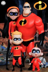 Happy Father's Day to all the Incredible Dads out there! (PrinceMatiyo) Tags: theincredibles2 pixar jackjack violet mrincredible dash toyphotography dolls disney jakkspacific theincredibles