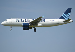 F-HBAP, Airbus A320-214, c/n 4675, ZI-AAF-Aigle Azur, ORY/LFPO 2018-05-09, short finals to runway 26/08. (alaindurandpatrick) Tags: fhbap cn4675 a320 a320200 airbus airbusa320 airbusa320200 minibus jetliners airliners zi aaf aigleazur airlines ory lfpo parisorly airports aviationphotography
