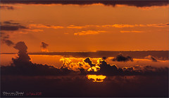 La Palma Sunset (Hans van Bockel) Tags: 70300mm d7200 hansvanbockel lapalma mensen nikon oceaan tamron transavia vakantie tijarafe canarias spanje es zeezicht atlantische holiday zon zonsondergang sunset wolken clouds lightroom