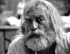 _DSC3031 - Portrait (Le To) Tags: nikond5000 noiretblanc nerosubianco bw monochrome extérieur portrait ritratto homme barbe personnes
