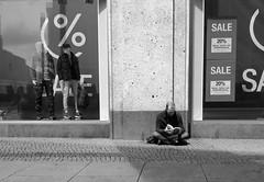 Reflection III (w.friedler) Tags: schaufenster window lesen read reading galeriakaufhof