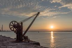 Sunset - DSC_0120 (John Hickey - fotosbyjohnh) Tags: 2018 july2018 southwall poolbeg poolbeglighthouse sunset dublin ireland dublinbay riverliffey crane landmark landscape seascape sky coast coastline irishsea