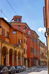 Bologna - Via Santo Stefano (Daisuke Ido) Tags: bologna santostefano portici portico edifici buildings case houses colonne columns