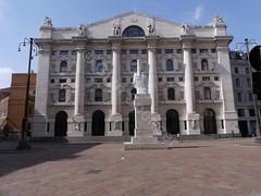 Borsa Italiana overlooking Piazza Affari (glynspencer) Tags: milano lombardy italy it