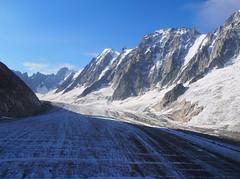 Glacier d'Argentière - Faces Nord des Droites (4000m) et des Courtes (3856m) (E*M) Tags: montagne mountain alpes alps chamonix argentiere glacier courtes droites aiguilleverte neige sommet landscape paysage glace massif montblanc alpinisme