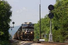 747 - Wilsons (Eric_Freas) Tags: norfolk southern ns shenandoah valley 747 color position light cpl stanley virginia